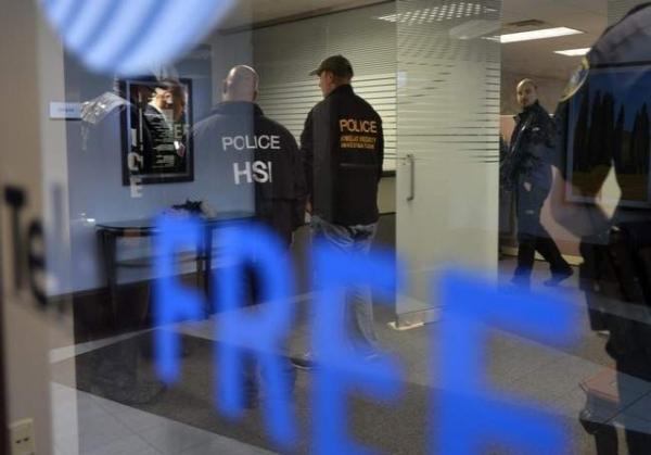 Kantor Telexfree digeledah petugas Homeland Security Dept. (Metrodailynews).