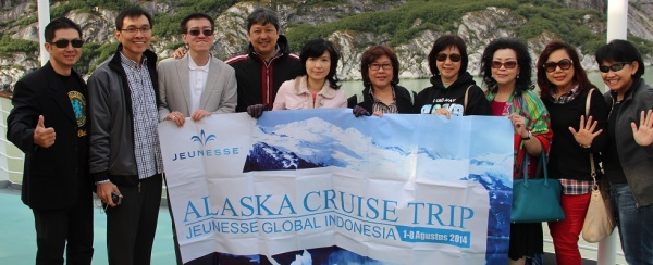 Sejumlah member Jeunesse Global asal Indonesia saat liburan ke Alaska, 2014. (Jeunessestore.com)