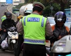 Polisi_tilang