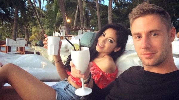 Johny Ward bersama pacarnya di Koh Samui, Thailand.