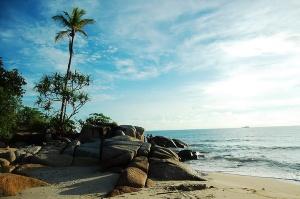 Pantai Pasir Padi, Bangka (bangkatour.com)